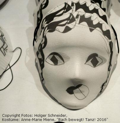 Copyright Fotos: Holger Schneider, Kostüme: Anne-Marie Miene,